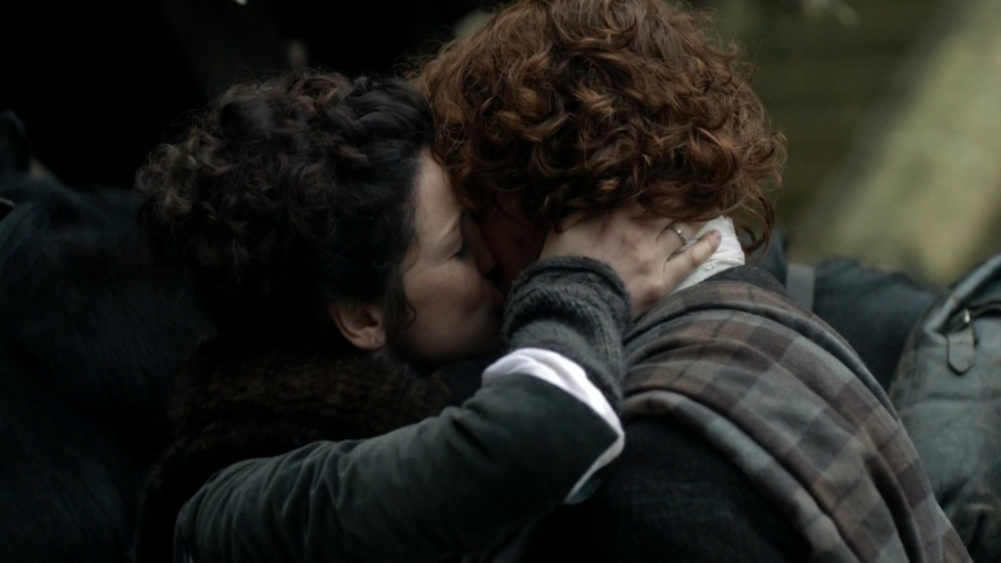 Outlander - By The Pricking of My Thumbs - S01E10 -1080p.mkv_003141138
