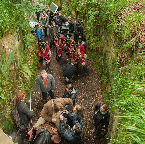 outlander_starzThe #Outlander crew is caught in the Redcoats trap. #BehindTheScenes