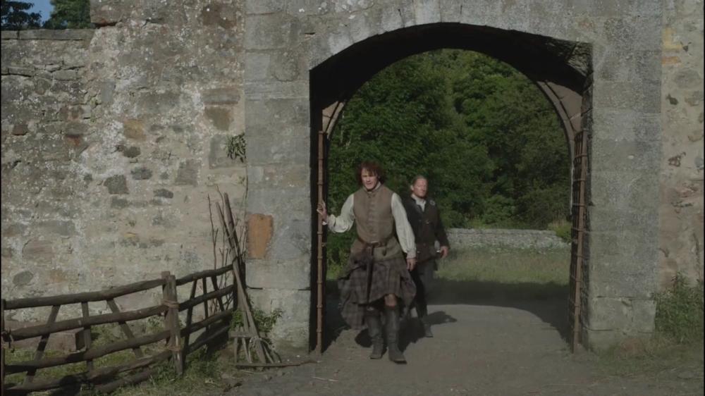 13...La Guardia (spoiler) Outlander-s01e13-the-watch-mp4_000854854