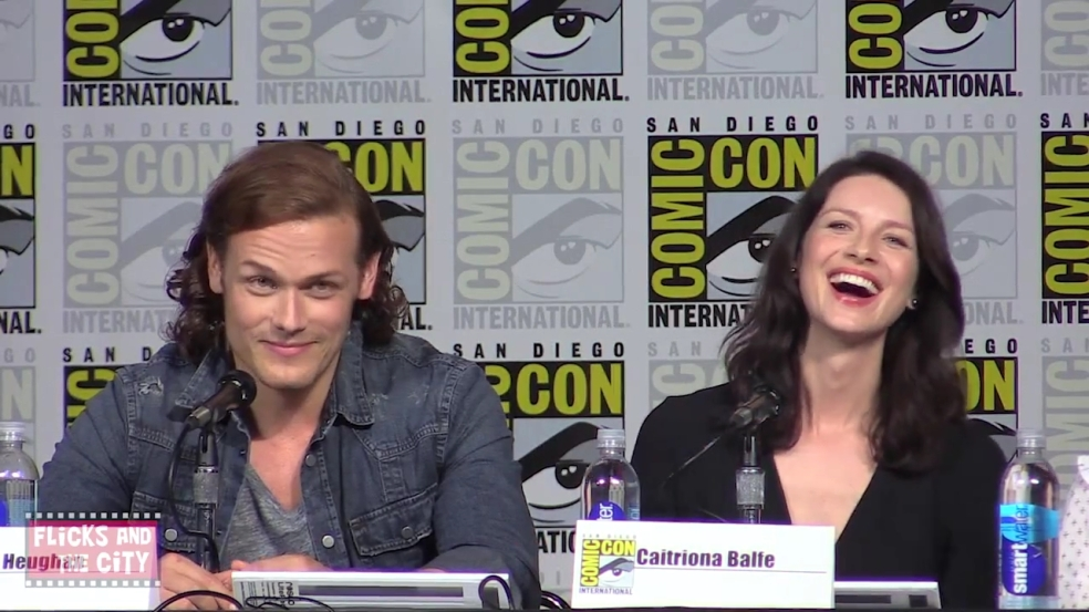 Outlander Comic Con Panel - Sam Heughan, Caitriona Balfe (HD).mp4_20150712_084933.597